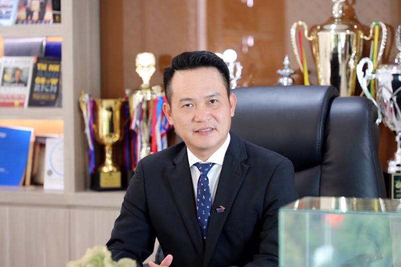 Ông Đặng Hồng Anh, Chủ tịch Hội Doanh nghiệp trẻ Việt Nam, Phó Chủ tịch Tập đoàn Thành Thành Công đang có kế hoạch nhập khoảng một triệu liều vaccine thông qua một trong số 36 công ty được cấp phép nhập khẩu.